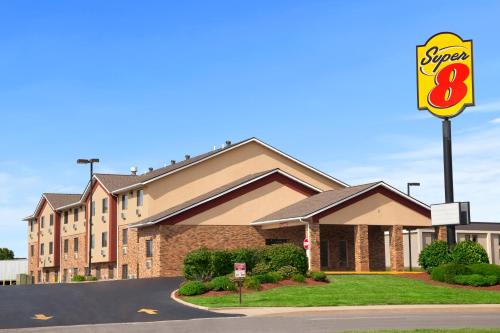 Super 8 By Wyndham Collinsville St. Louis