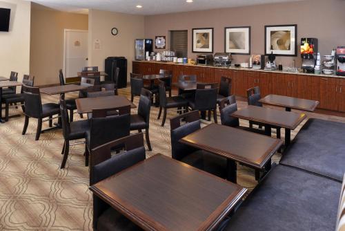 Mainstay Suites Fargo - Fargo, ND 58103