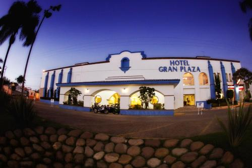 Hotel Gran Plaza & Convention Center Photo