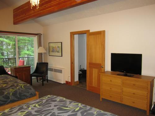 The Lodge At Skeena Landing - Terrace, BC V8G 4M4