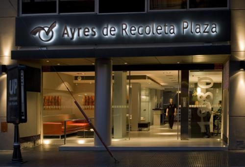 Ayres de Recoleta Plaza Photo