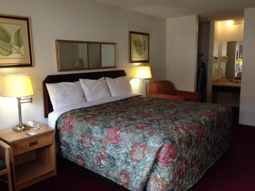 Hometown Inn and Suites Elk City Photo