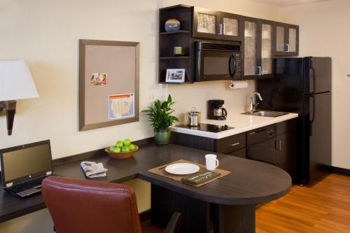 Candlewood Suites Bloomington - Bloomington, IN 47404