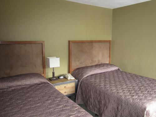 Totem Lodge Motel - Prince Rupert, BC V8J 1K3