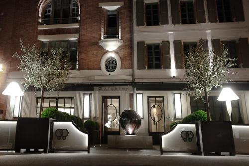 h tel alchimy h tel 10 12 place du palais rue du docteur devoisin 81000 albi adresse horaire. Black Bedroom Furniture Sets. Home Design Ideas