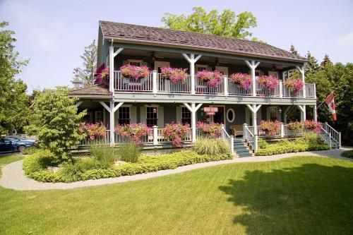 Weatherpine Inn - Niagara On The Lake, ON L0S 1J0