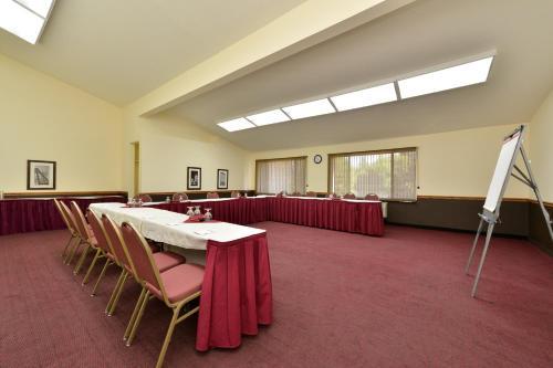 Hawthorn Suites Sacramento Photo