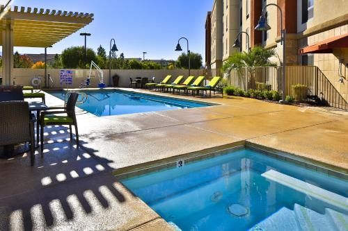Hampton Inn & Suites Las Vegas South photo 9