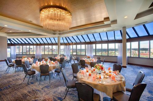 Hotel Rl Spokane At The Park By Red Lion - Spokane, WA 99201