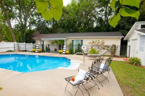 Antebellum Inn Bed And Breakfast - Adult Only - Milledgeville, GA 31061