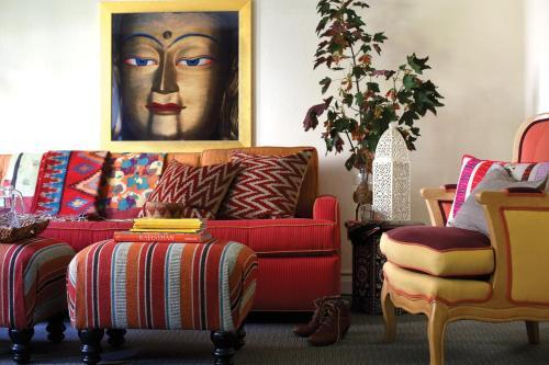 1075 Sutter Street, San Francisco, California, 94109, United States.