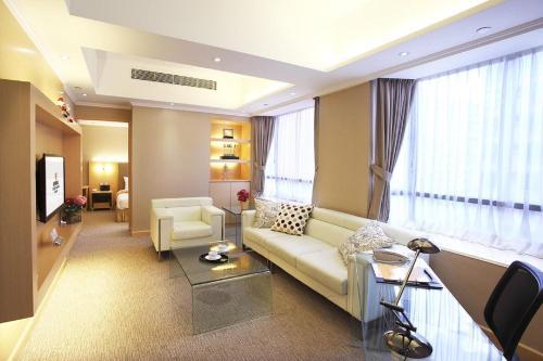 The South China Hotel photo 2