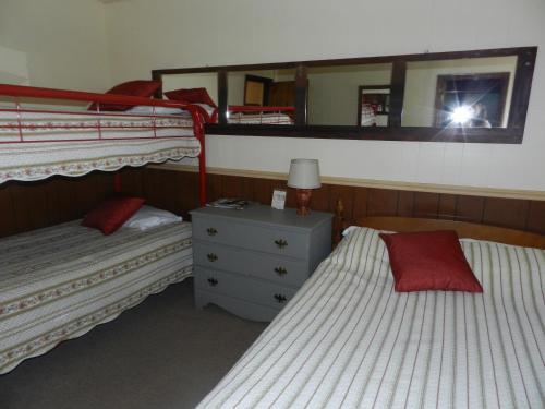 Swiss Farm Inn Photo