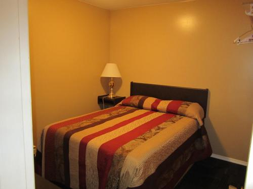 Rainbow Inn Motel - Terrace, BC V8G 0C6