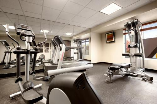 Country Inn & Suites by Radisson, Dearborn, MI Photo