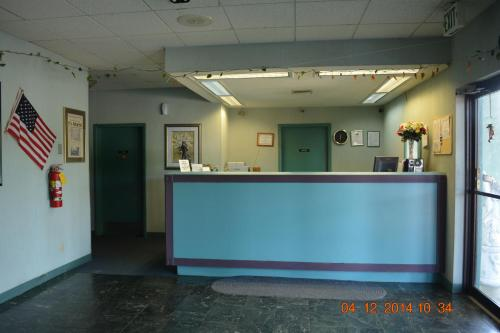 Camilla Inn & Suites - Camilla, GA 31730