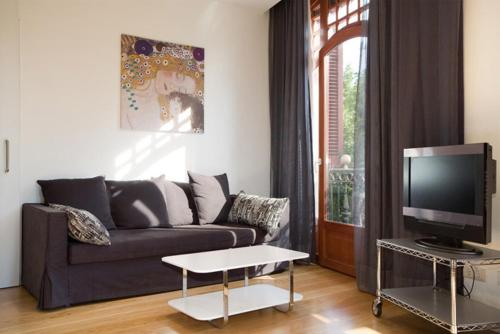 Las Ramblas Suites photo 2