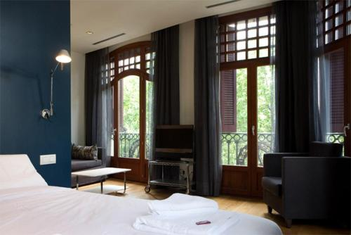 Las Ramblas Suites photo 4
