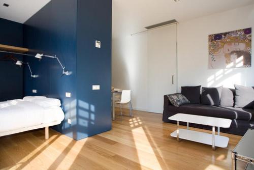 Las Ramblas Suites photo 5