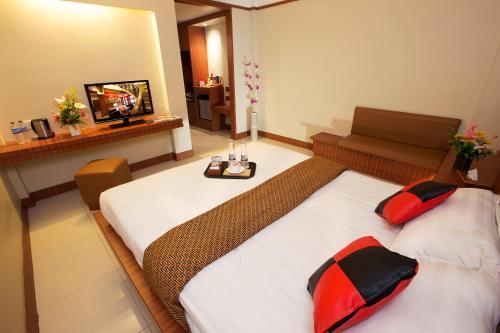 Hotel Maximillian Photo