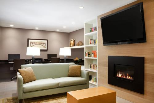 Country Inn & Suites by Radisson, Roseville, MN Photo