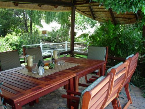 Guinea Lodge Photo