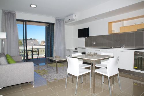 Atrio Apartments