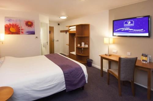 Premier Inn Edinburgh East photo 4