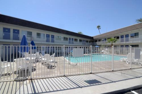 Motel 6 Indio - Palm Springs Area Photo