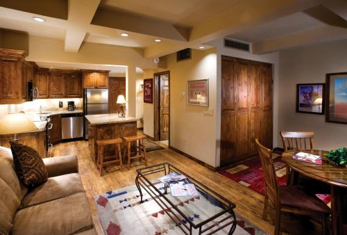 Aspen Square Condominium Hotel - Aspen, CO 81611