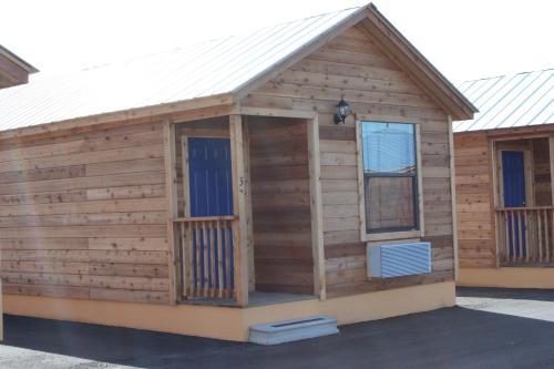 4K Lodges Photo