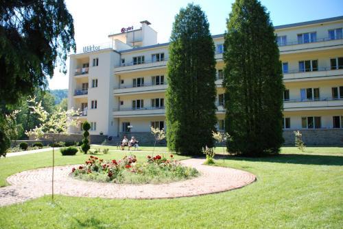 Sanatorium Uzdrowiskowe Wiktor Cechini