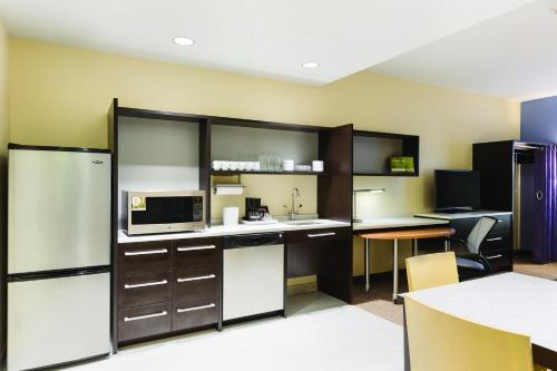Home2 Suites By Hilton Sioux Falls/sanford Medical Center - Sioux Falls, SD 57105