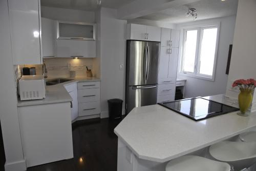 York Executive Properties - Saskatoon, SK S7K 2P5