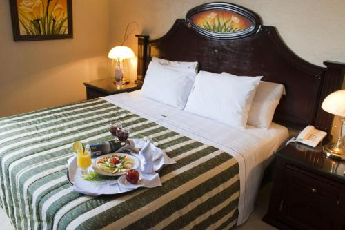 Hotel Casino Plaza Photo