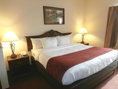 Comfort Suites - Jefferson City Photo