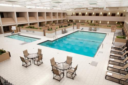 Doubletree By Hilton Hotel Minneapolis-bloomington South - Bloomington, MN 55439