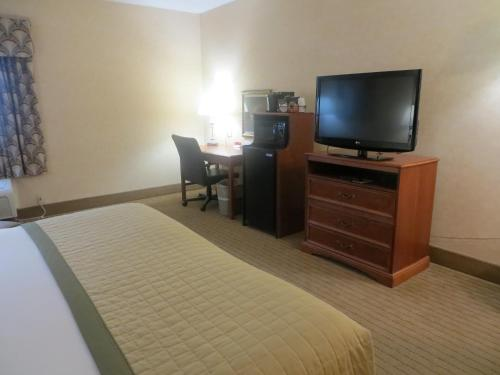 Baymont Inn & Suites Indianapolis West photo 15