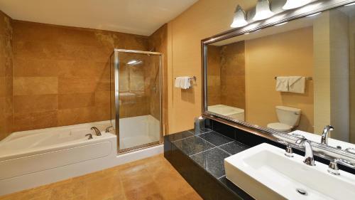 Prestige Inn Golden - Golden, BC V0A 1H2
