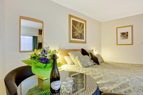 Comfort Inn Blue Lagoon