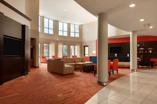 Courtyard By Marriott Junction City - Junction City, KS 66441