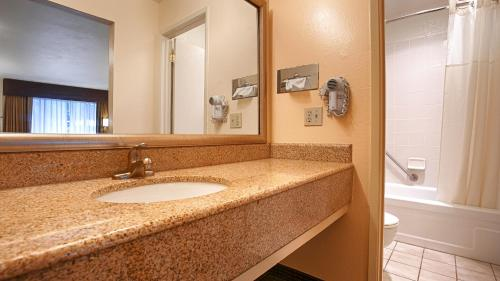 Best Western Gold Country Inn Photo