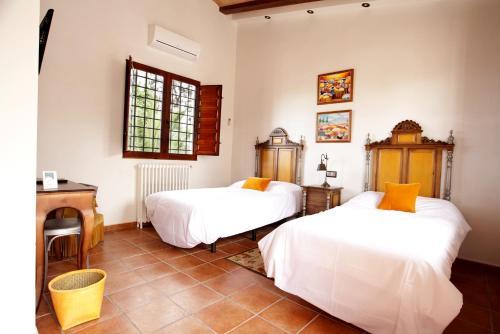 Habitación Doble Superior adaptada para personas de movilidad reducida - 2 camas - Uso individual Casa de La Campana 1
