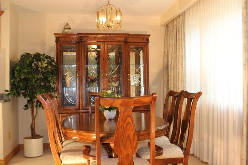 Petryla Estates Furnished Toronto Apartments Photo
