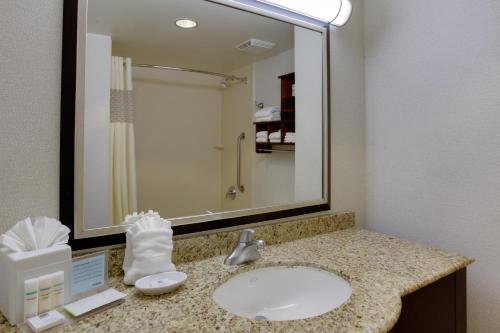 Hampton Inn Garden City Photo