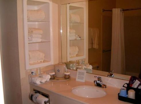 Holiday Inn Express Hotel & Suites Plainview - Plainview, TX 79072