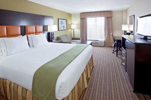 Holiday Inn Express Arlington (i-20 & Parks Mall) - Arlington, TX 76015