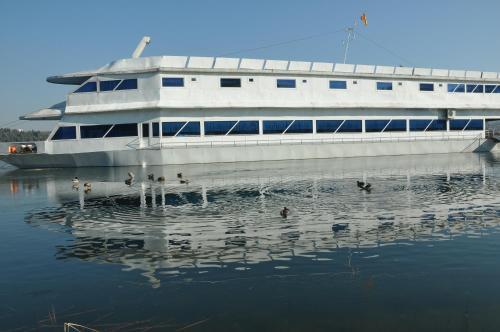 Хотел Брод Панини Велес