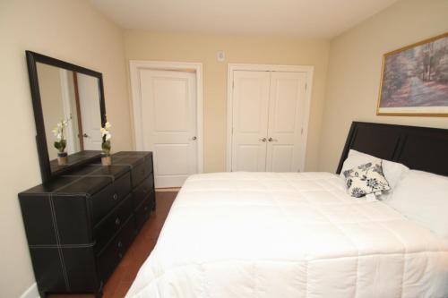 One Bedroom Apartment - Philadelphia, PA 19147