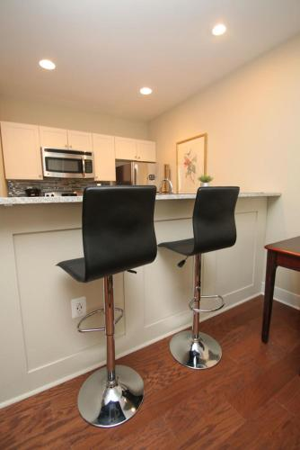 Rittenhouse Square - Two Bedroom - Philadelphia, PA 19103